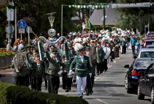 Rees: 1300 Schützen feiern in Millingen
