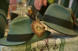 hats-948176_640