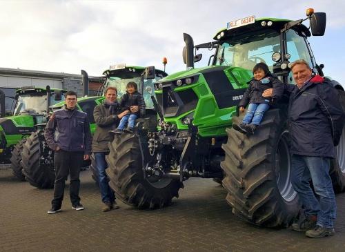 Rees: Neue Traktoren bei Pieper unter die Lupe genommen