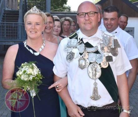 Millingen empfing das neue Königspaar mit einer zünftigen Parade! - Emmerich am Rhein - lokalkompass.de