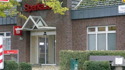 Unmut über Filialschließungen in Rees formiert sich | NRZ.de | Emmerich Rees Isselburg