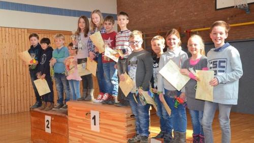 Beste Vorleser der St. Quirinus-Grundschule Millingen geehrt | NRZ.de | Emmerich Rees Isselburg