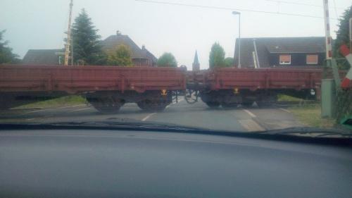 Warum ein Zug bei geöffneter Schranke durch Millingen fuhr | NRZ.de | Emmerich Rees Isselburg
