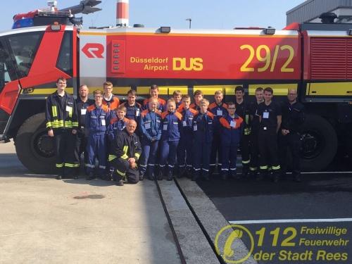 Feuerwehr Rees – Jugendfeuerwehr Millingen besichtigt Berufsfeuerwehr des Airports Düsseldorf