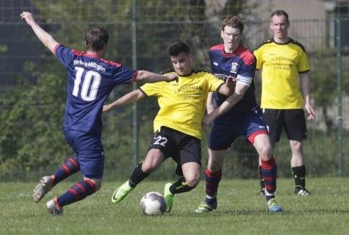 Lokalsport: 1:1 hilft dem 1. FC Heelden nicht weiter
