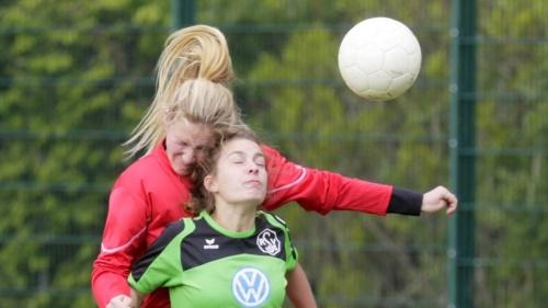 Lorena Derksen überragt beim Derby-Sieg des SV Rees | Emmerich Rees Isselburg | NRZ.de