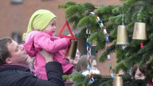 Stimmungsvolle Atmosphäre auf dem Weihnachtsmarkt Millingen | nrz.de | Emmerich Rees Isselburg