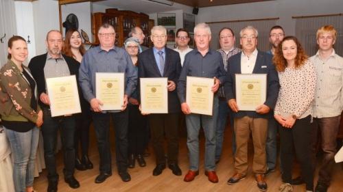 Sechs neue Ehrenmitglieder für das Tambourkorps Millingen | nrz.de | Emmerich Rees Isselburg