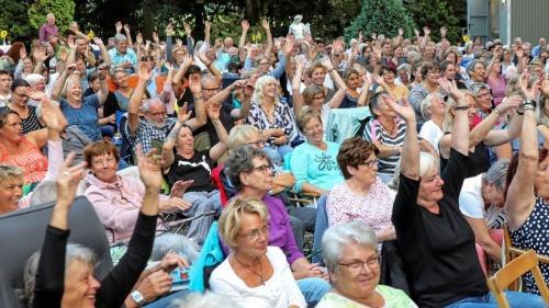 Klappstuhltheater an der Burgruine Rees-Empel war ein Erfolg | nrz.de | Emmerich Rees Isselburg